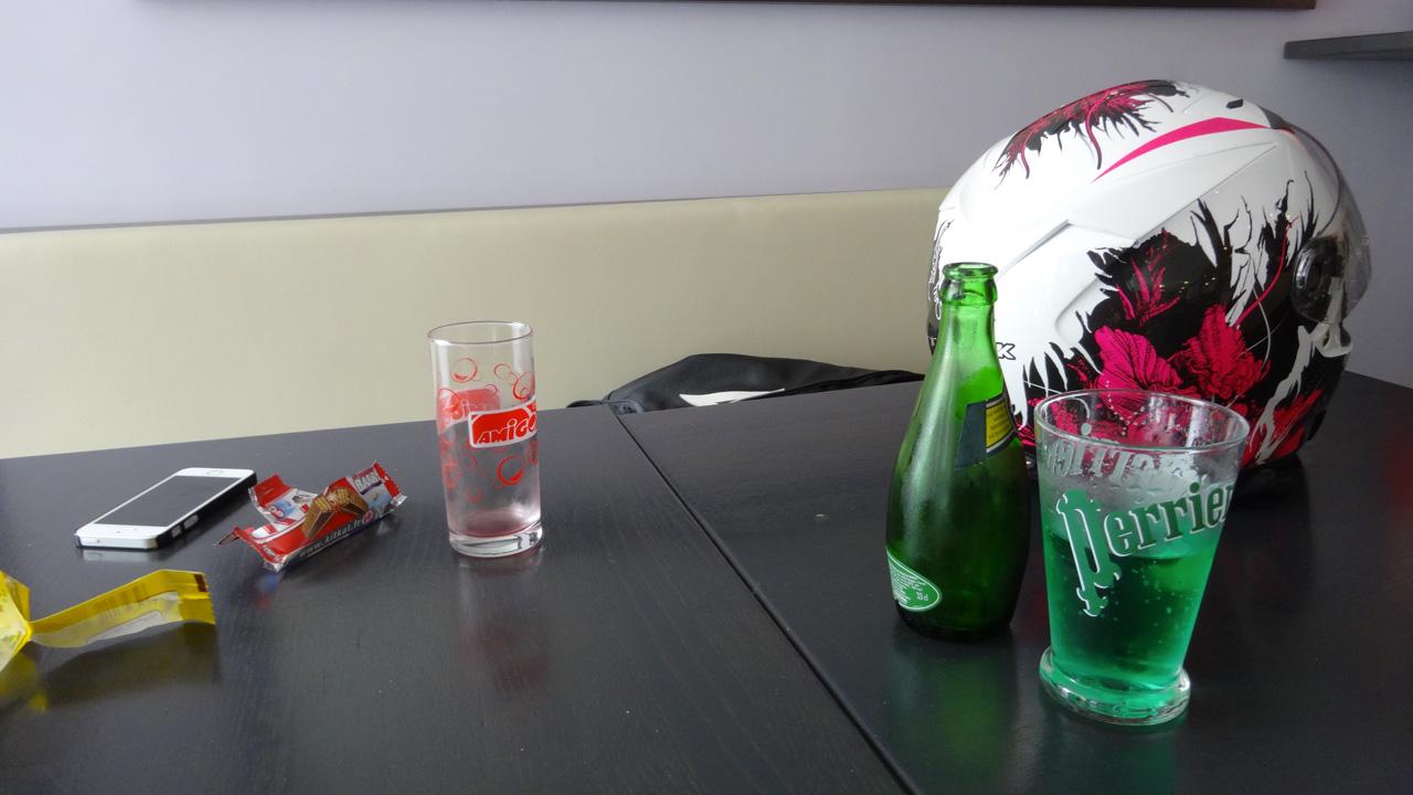 pause motarde : boire un verre
