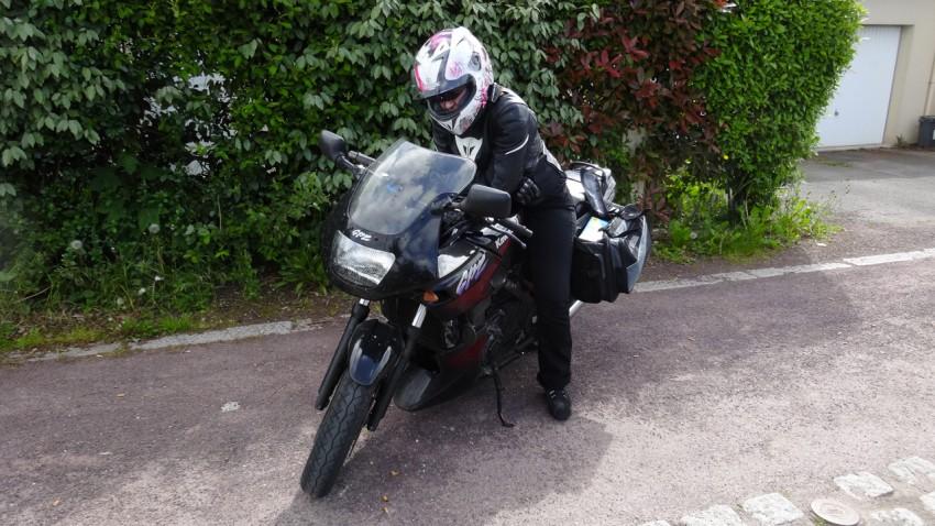 Mamzelle Laura à moto