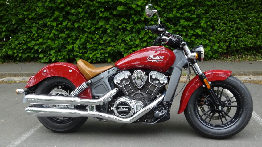 Indian Scout rouge 2015