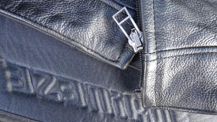comment r parer une fermeture clair sur un cuir de moto. Black Bedroom Furniture Sets. Home Design Ideas