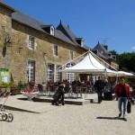 pause café au Domaine des Ormes des motards Rennais