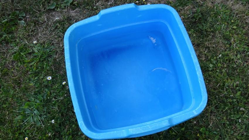 bassine eau chaude pour laver sa moto