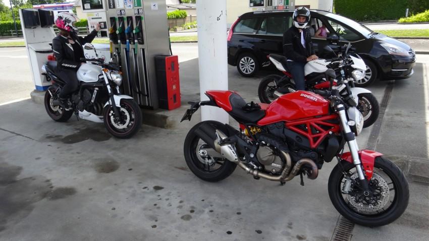essence sans plomb 98 pour moto