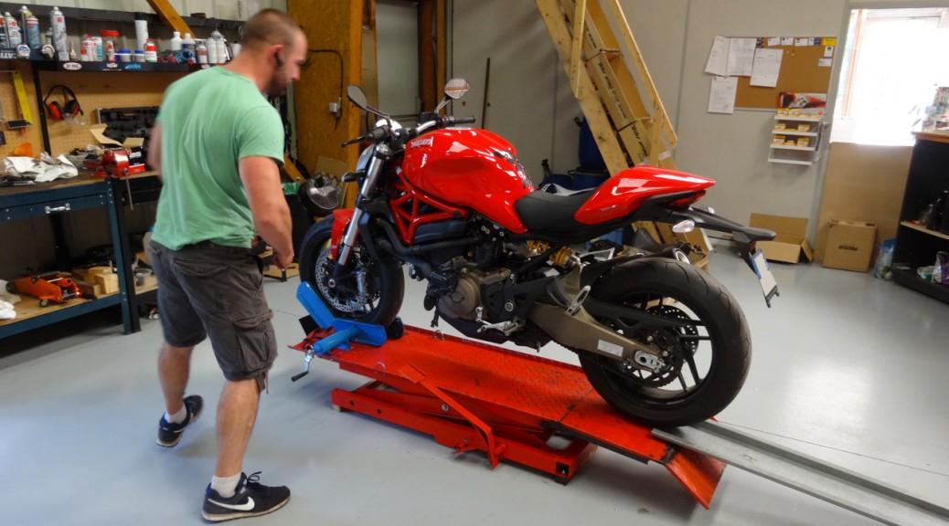 garage meca moto services l 39 atelier moto rennes. Black Bedroom Furniture Sets. Home Design Ideas