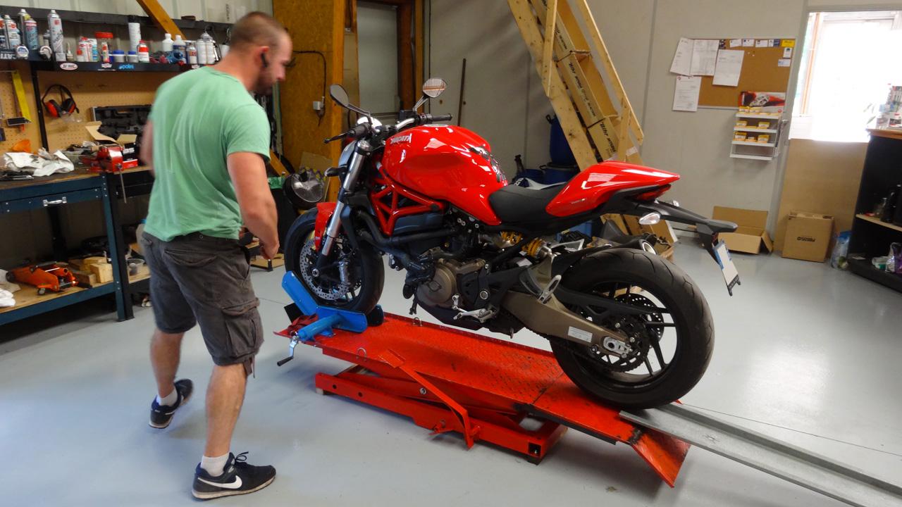 Meca moto service atelier pour entretenir sa moto rennes for Garage moto argenteuil