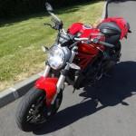 Monster 821 Ducati rouge