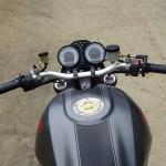 position de conduite sur le S4R Ducati
