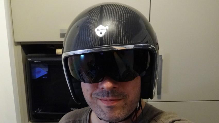 casque GPA sur motard