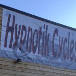 logo hypnotik cycles : gris harley rennes