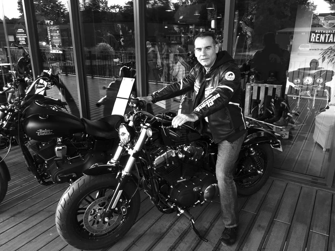 Jean-claude et son Forty Eight Harley Davidson