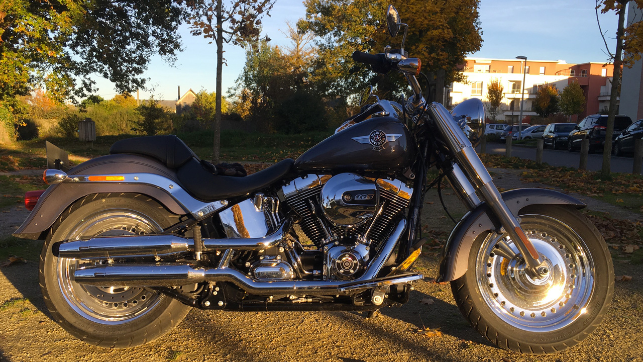 Conduite cruise sur le Fat Boy Harley Davidson