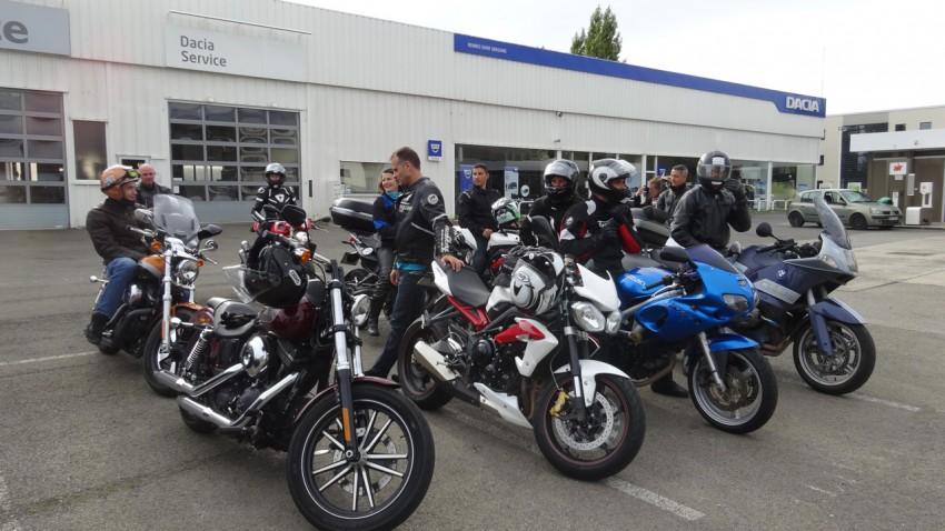 balade moto du dimanche avec les copains en Harley Davidson