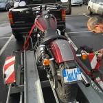 moto sur remorque