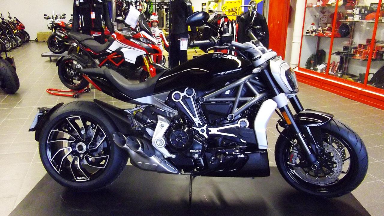 Ducati XDiavel S chez city Bike à Laval