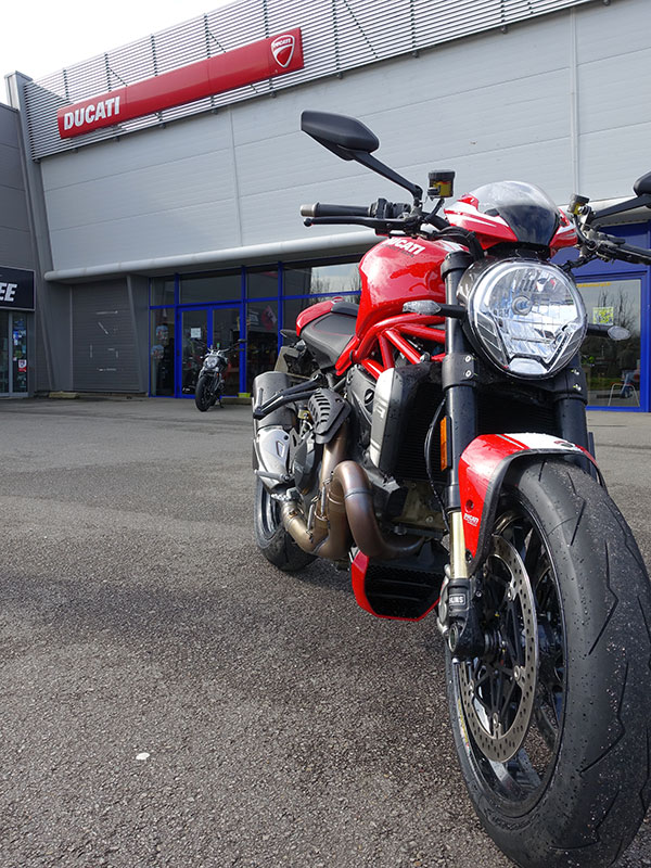 Acheter Ducati Monster 1200 R chez City Bike Laval