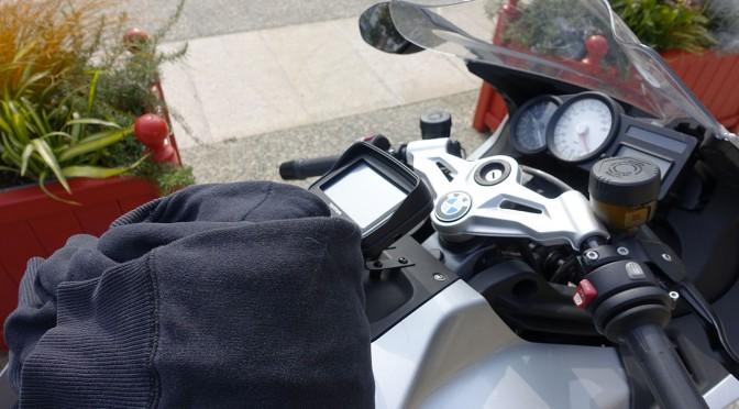 équipement du motard dans les valises du K1300S