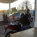 clin d'oeil à Laurent, la photo à la station essence !