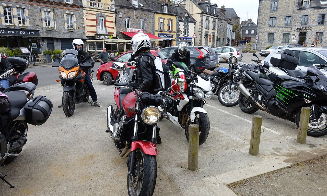 groupe motard à la Gacilly