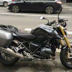 Moto BMW avec valise