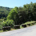 route sinueuse en longeant la Dordogne