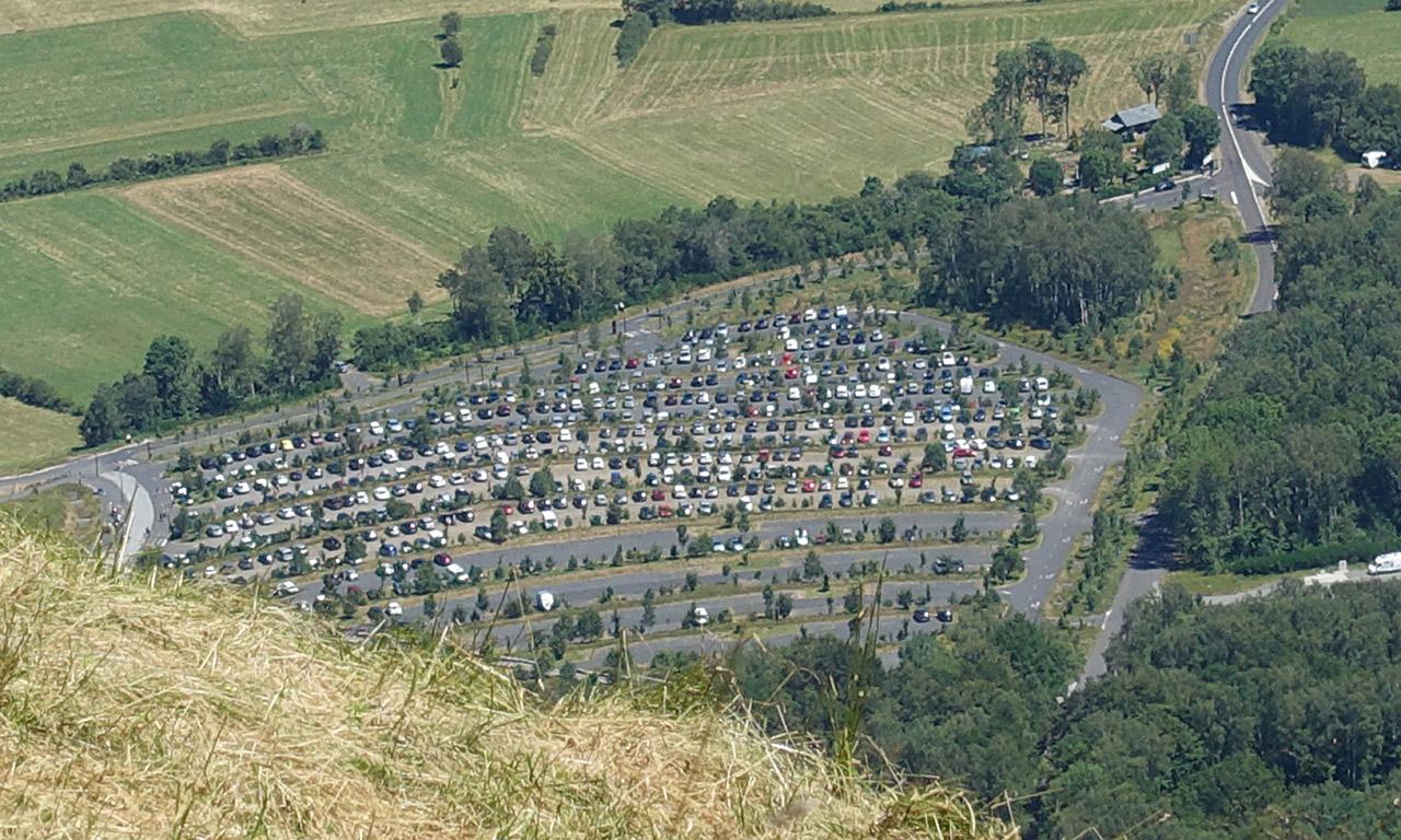 parking au Puy de Dôme