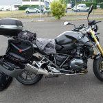 moto BMW équipée pour un long trajet