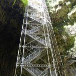 vue sur les escaliers du gouffre de padirac