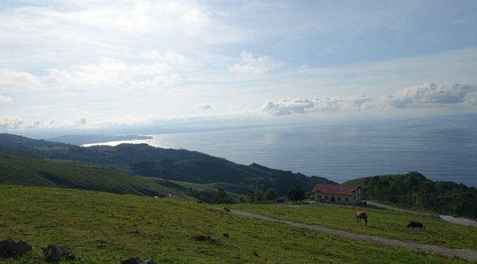 magnifique vue depuis les hauteurs de Saint Sebastien en Espagne