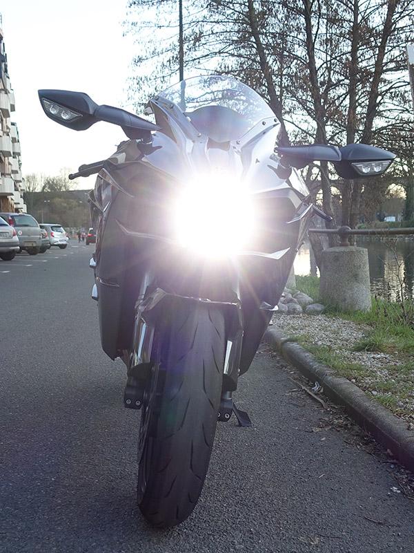 optique avant du H2 Kawasaki