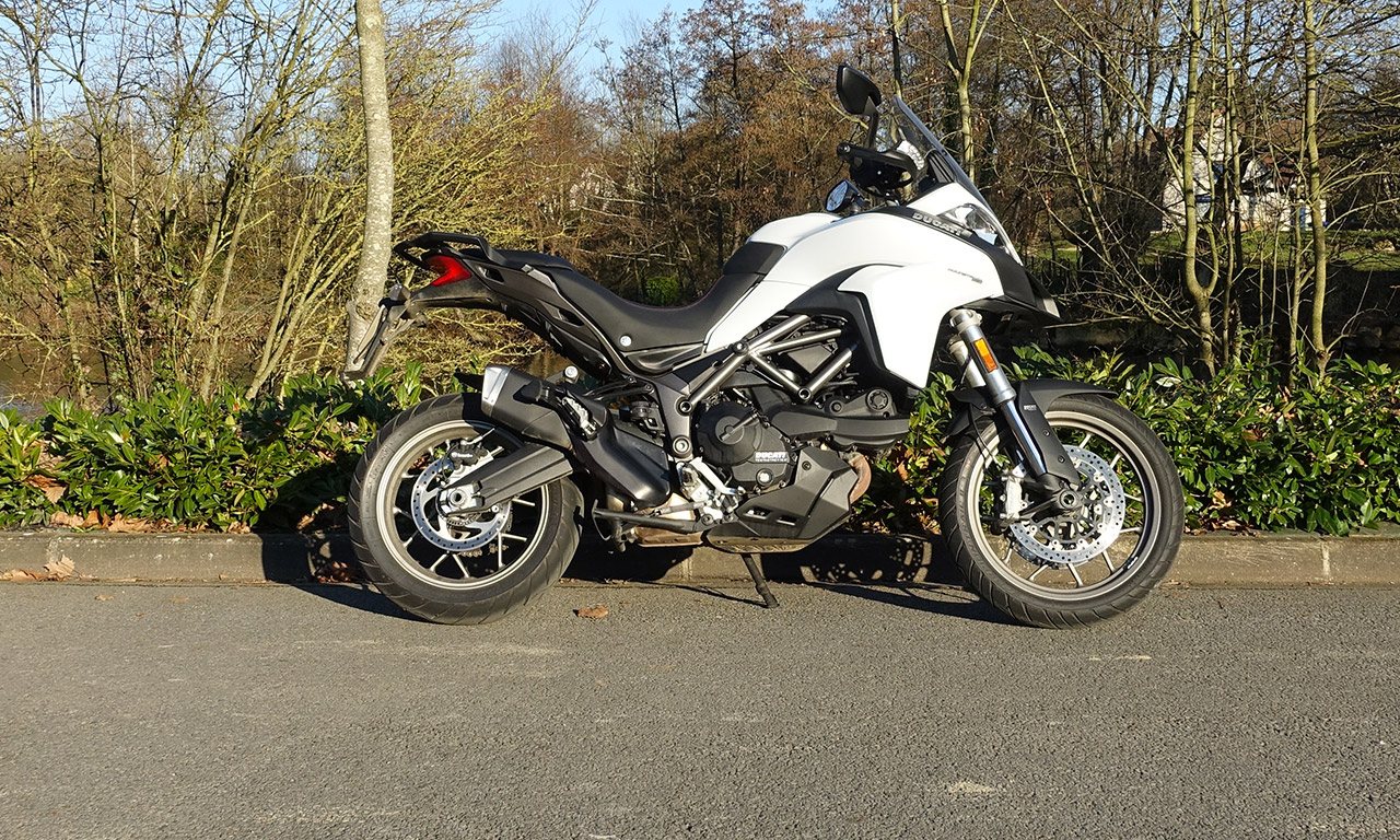 Multistrada blanche 950 Ducati