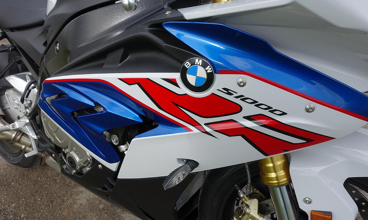 S1000RR bleu et blanche