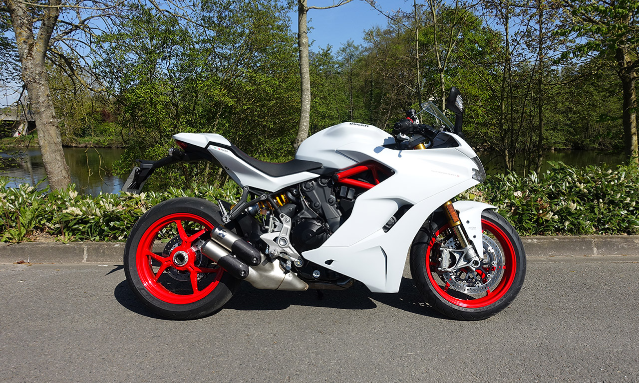 moto Ducati Super Sport S (City Bike)
