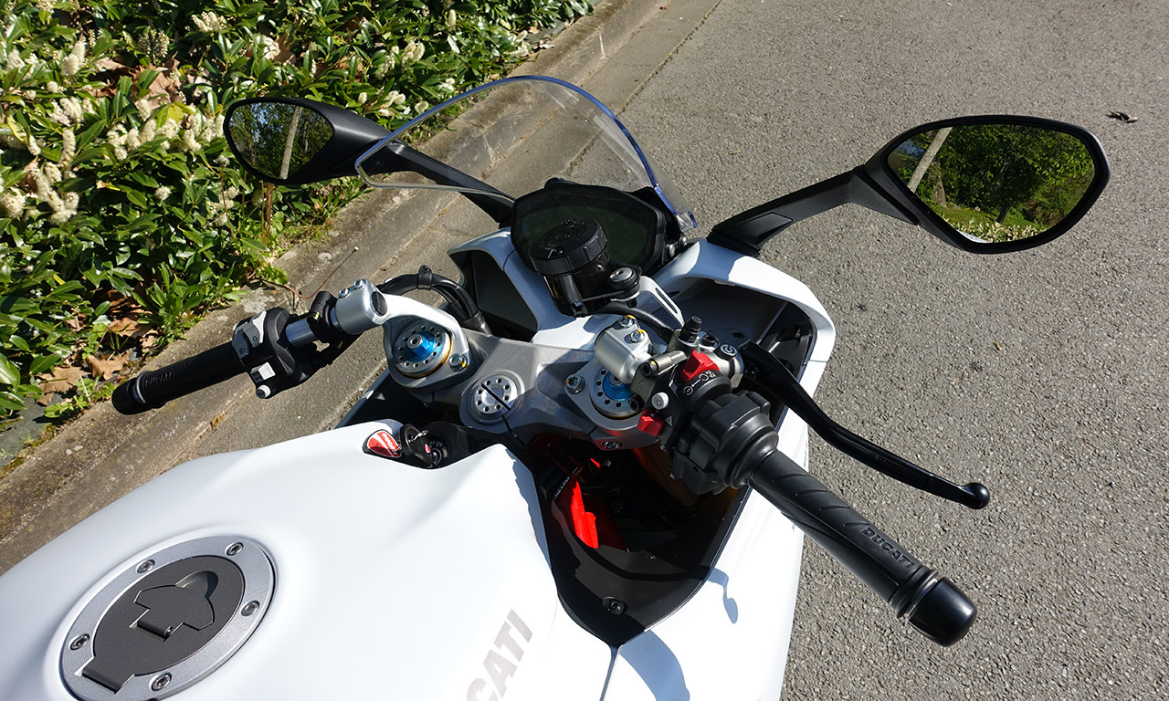 Au guidon du Super Sport Ducati S