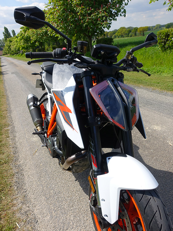 optique avant du Super Duke 1290 R