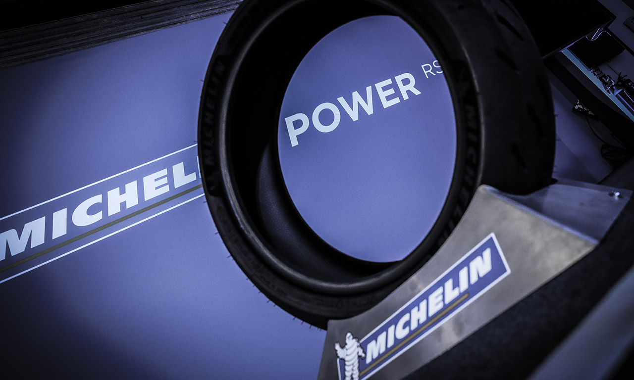 Pneu Michelin Power RS : essai sur circuit à Losail