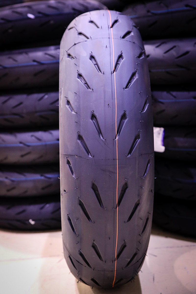 pneu michelin power RS : essai sur piste