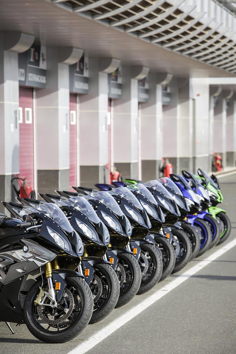 Large choix de moto S1000RR sur le Circuit de Losail