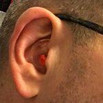 bouchon d'oreille fermé à droite : Alvis Audio