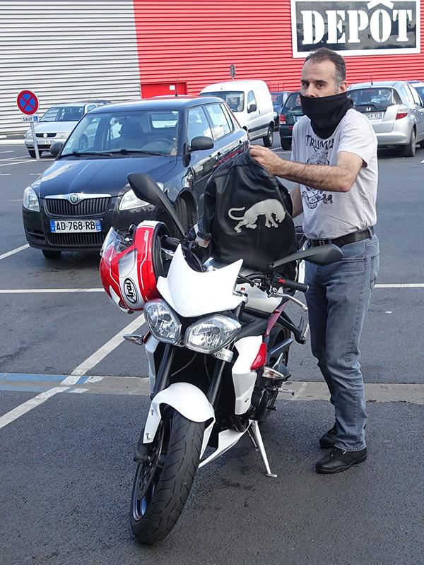 Jean-Claude sur sa Triumph Street Triple 675R