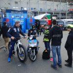 autographe des piotes Moto GP dans les paddocks Le Mans