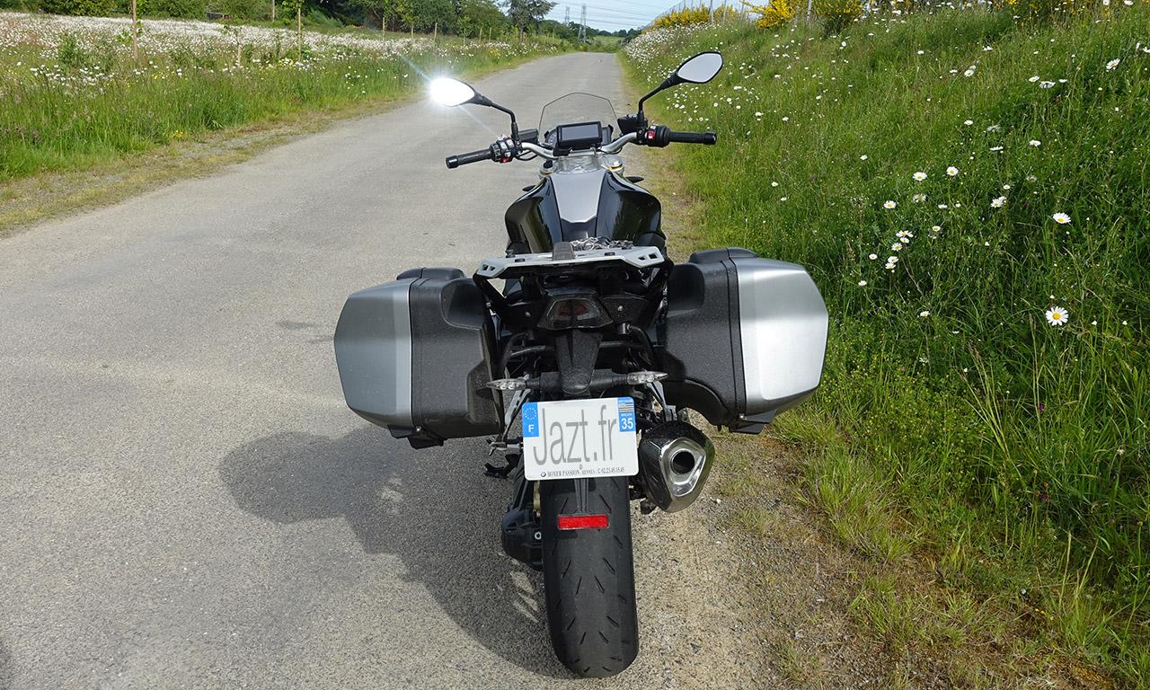 R1200R idéale sur autoroute comme sur les départementale