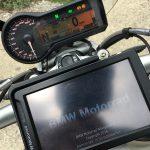 moto BMW et son GPS Navigator 5 : le compagnon de route idéal