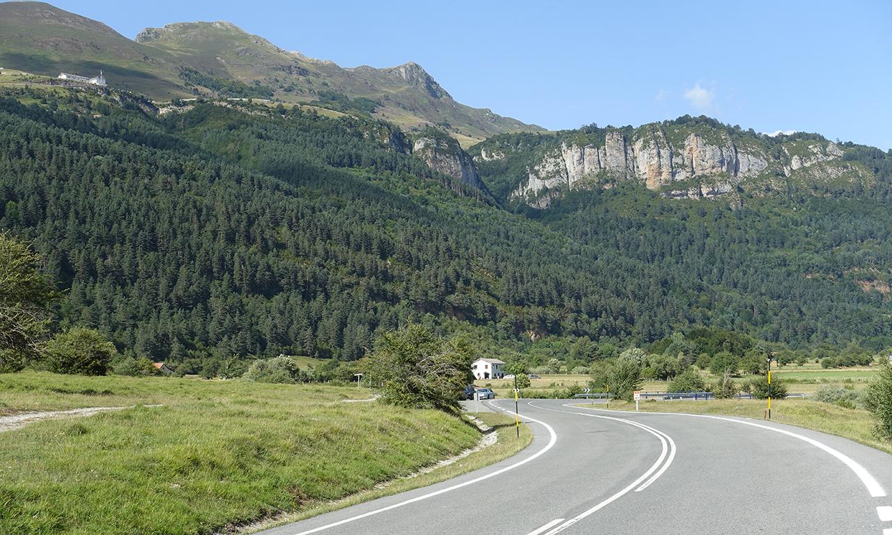 petites routes dans les montagnes