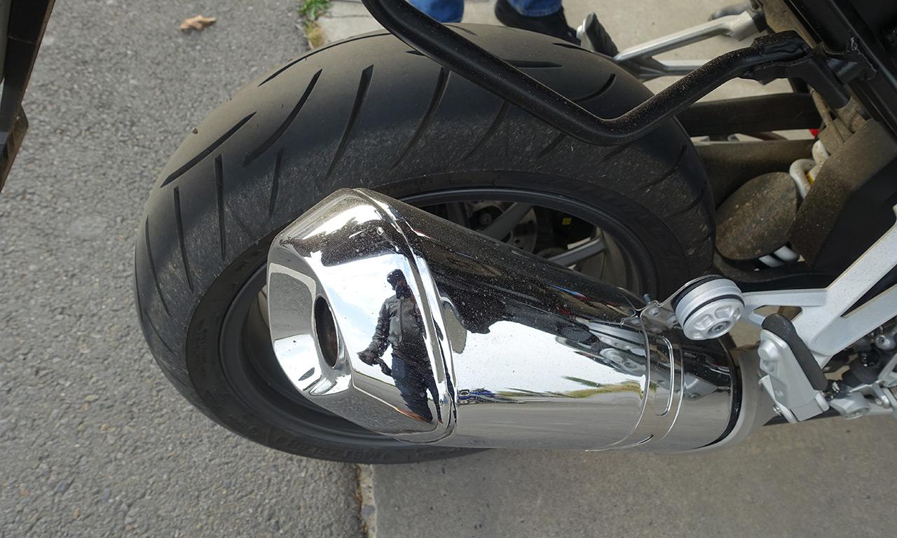 Pneu moto Metzeler Z8 : Tu peux pencher un peu plus Jean-Claude ?