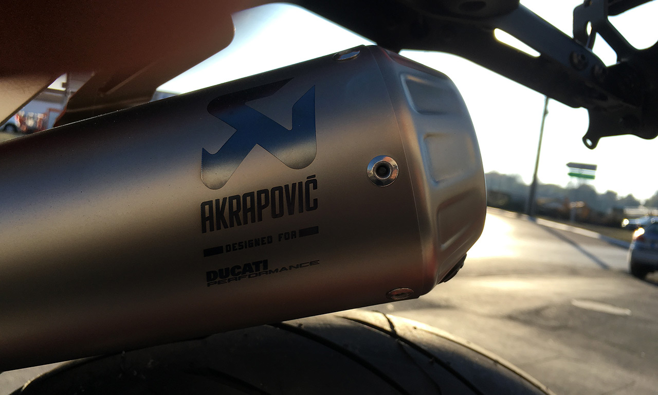 Echappement Akrapovic pour la SuperSport Ducati