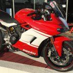 Ducati SuperSport rouge et blanche sur Bayonne