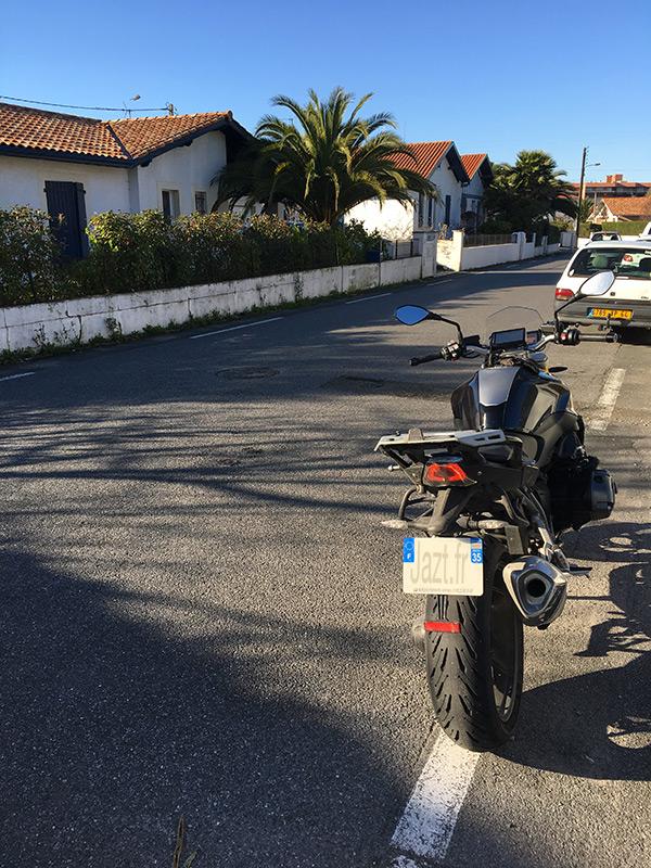 balade moto bmw r1200r autour de biarritz avec vue sur l 39 ocean. Black Bedroom Furniture Sets. Home Design Ideas