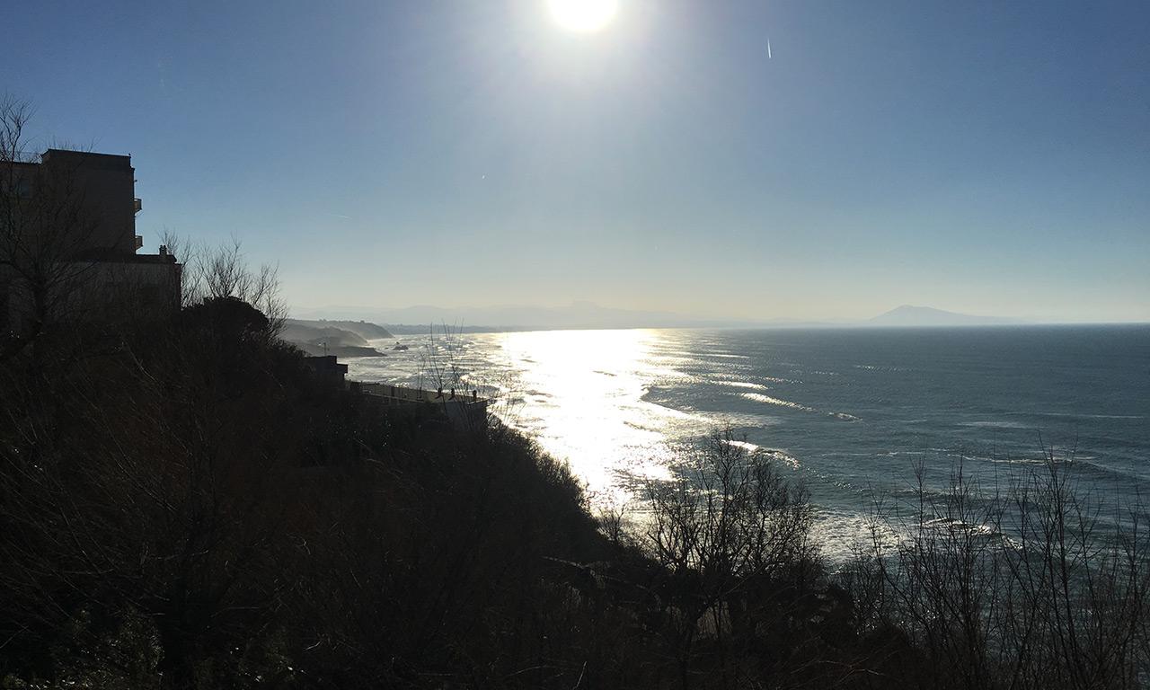 vue vers l'Océan depuis les hauteurs de Biarritz