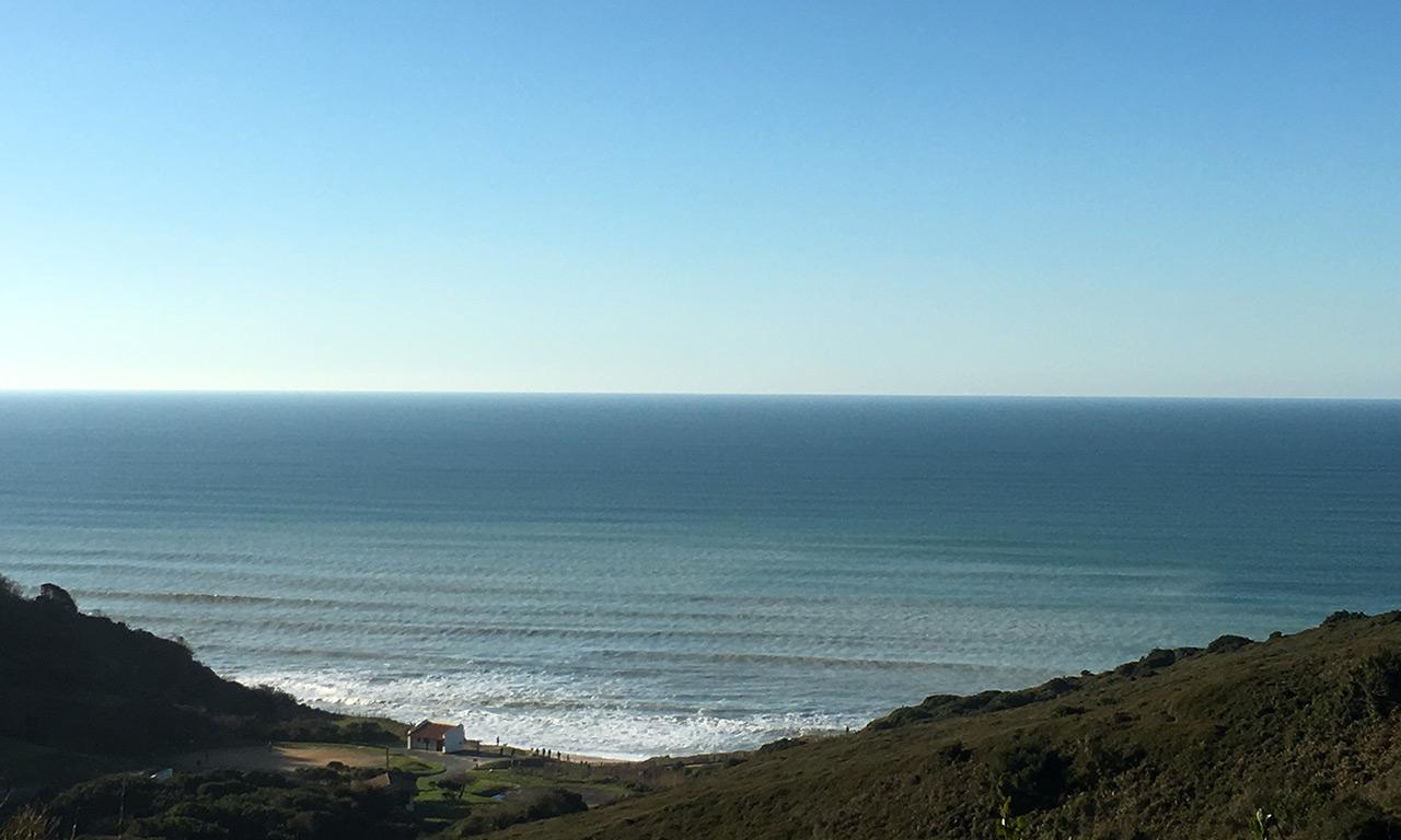 Vue mer depuis Biarritz sur la plage de Parlementia