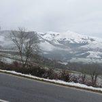 vue sur les montagnes enneigées côté Espagne